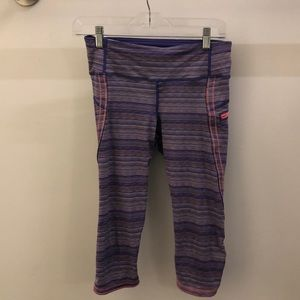 Lululemon purple & pink stripe crops sz 6 68214